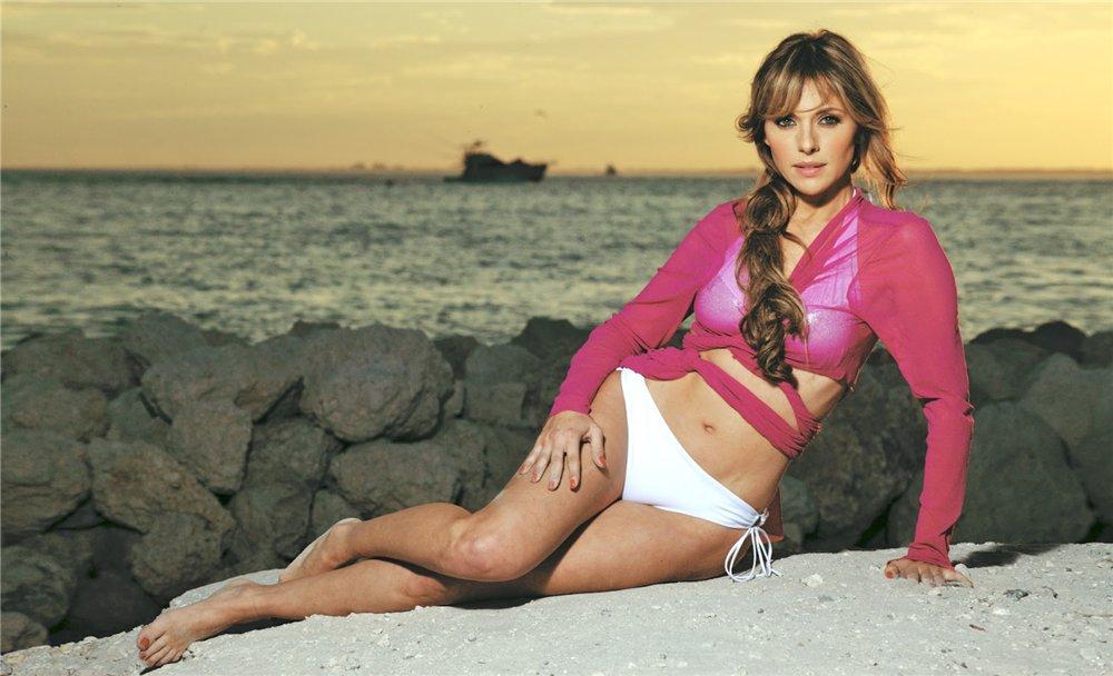 Ванесса Виллела. Актерскому ремеслу Ванесса обучалась с 14 до 21 года и закончила четыре мексиканских центра художественного образования