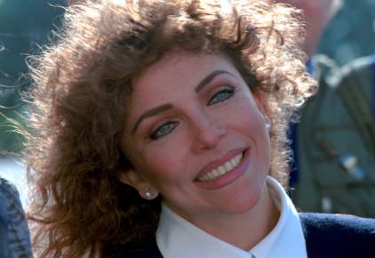 Вероника Кастро работала на радио, училась актерскому ремеслу и фотографировалась обнаженной для мужских журналов.