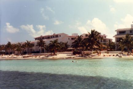 В 1989 году число визитеров Канкуна перевалило за 1 млн. человек