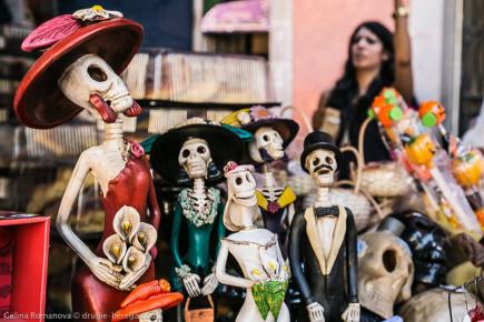 Статуэтки смерти ко дню мертвых в Мексике