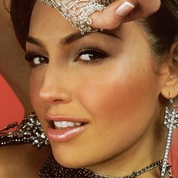 Талия снималась в сериале «Maria Mercedes».