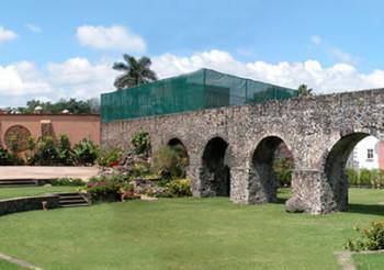 Акведук в Асиенде Аманалько, Куэрнавака, Мексика