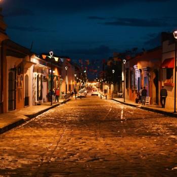 Вечерние улицы города Оахака