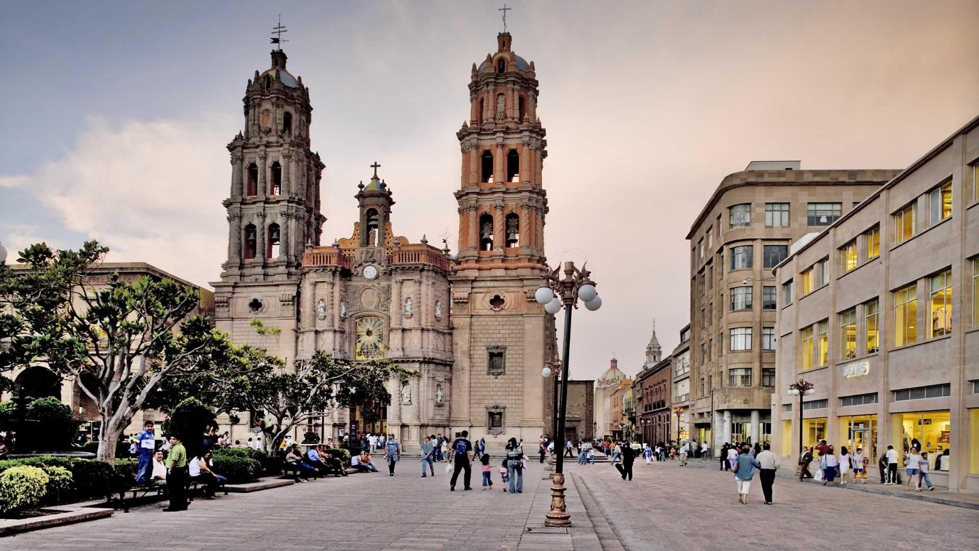 Сан Луис Потоси - удивительный штат с интереснейшими местами для экотуризма. Городская площадь - одна из археологических достопримечательностей