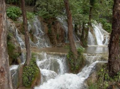 Каскадные водопады близ города Хенераль Сарагоса, Нуэво Леон
