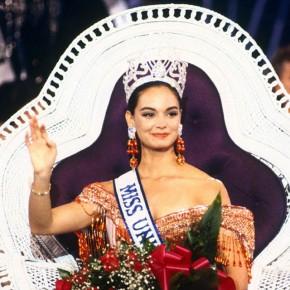 Победительница конкурса Мисс Вселенная из Мексик - Лупит Джонс