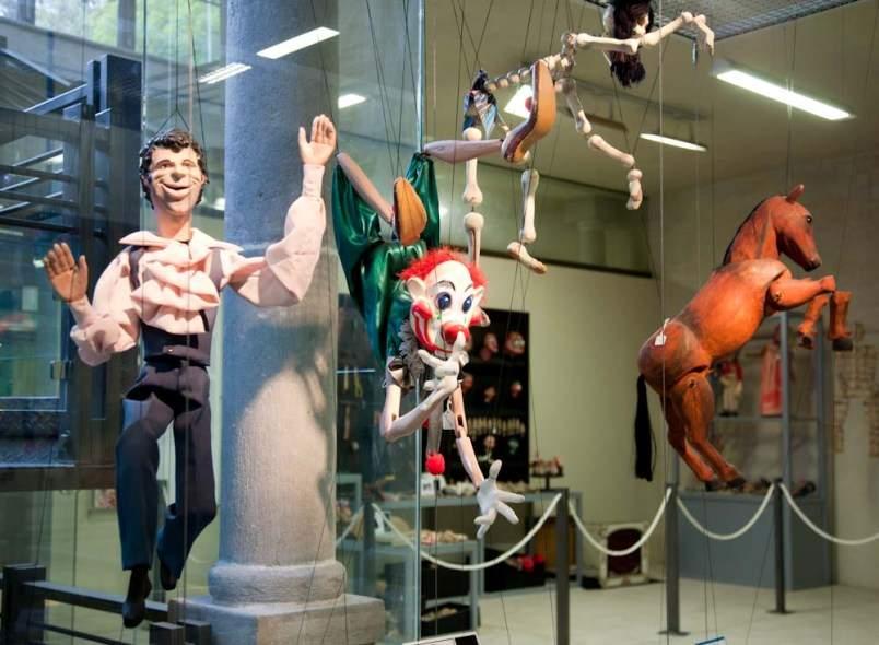 Куклы из музея в Уамантле. Мексика