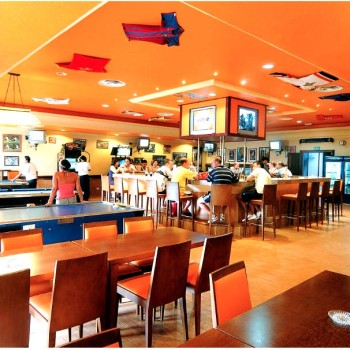 Следите за спортивными событиями в баре отеля Riu Cancun 5. Риу Канкун 5 звезд