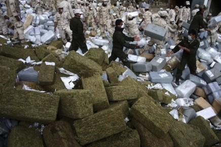 Уничтожение крупной партии конфискованных наркотиков в Тихуана. Мексика