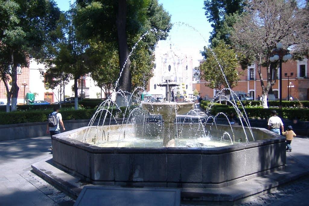 Святой крест в фонтане в центре Тласкалы