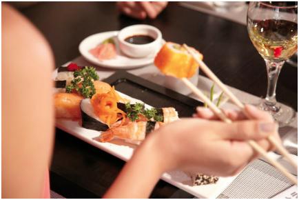 Риу Палас Пенинсула известен своим творческим подходом в оформлении блюд японской кухни