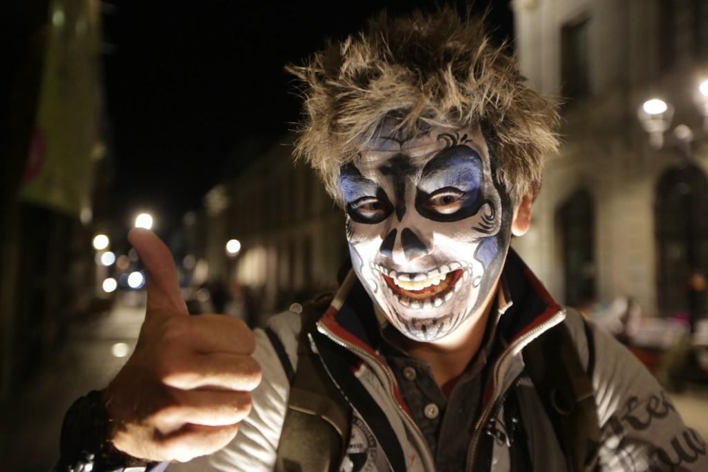 Дмитрий Комаров на карнавале смерти в Мексике