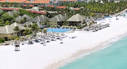 Роскошный вид на отель Allegro Playacar с высоты птичьего полета вы можете наблюдать со стороны Карибского моря.