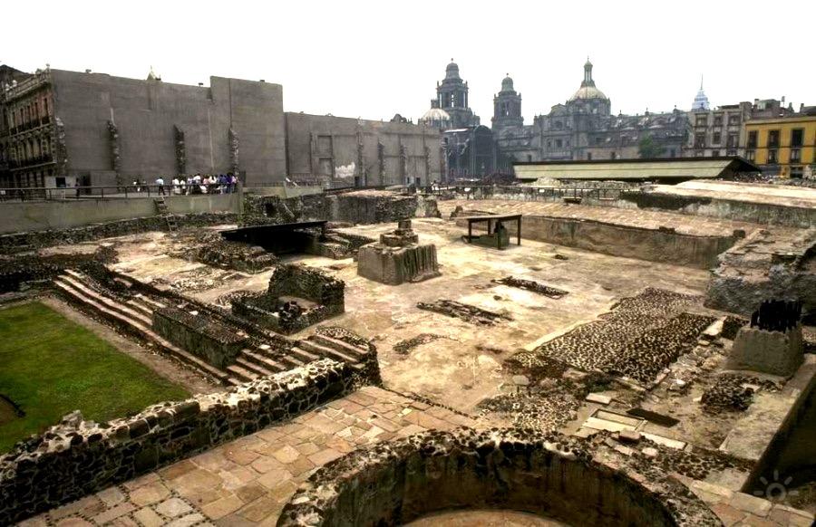Древний город великих индейцев ацтеков Тепочтитлан, сохранившегося до наших дней в историческом центр Мехико Ситие