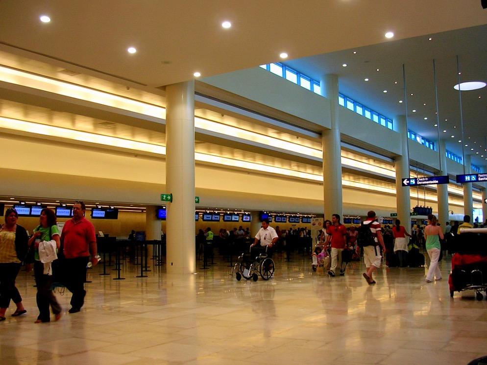 Зал регистрации в международном аэропорту Канкуна