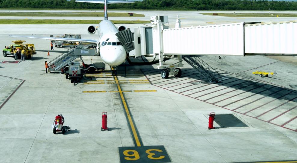 Прибытие самолета в аэропорт Канкун