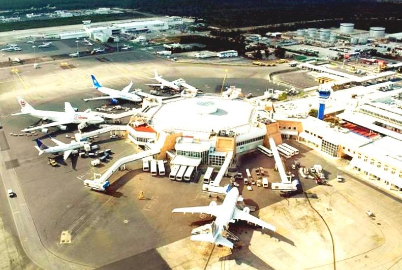 Международный аэропорт  Канкуна
