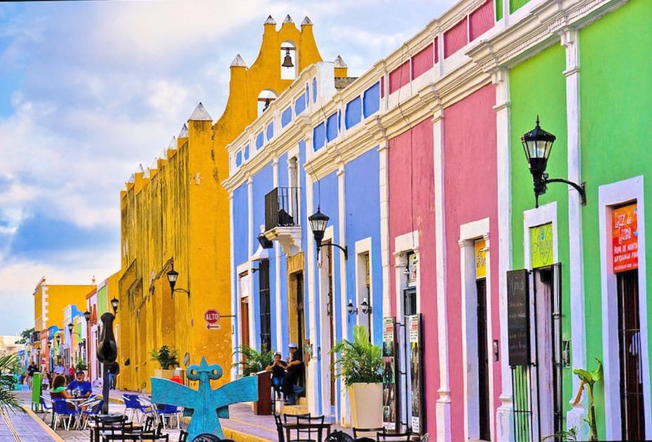 Разноцветные улочки в Кампече