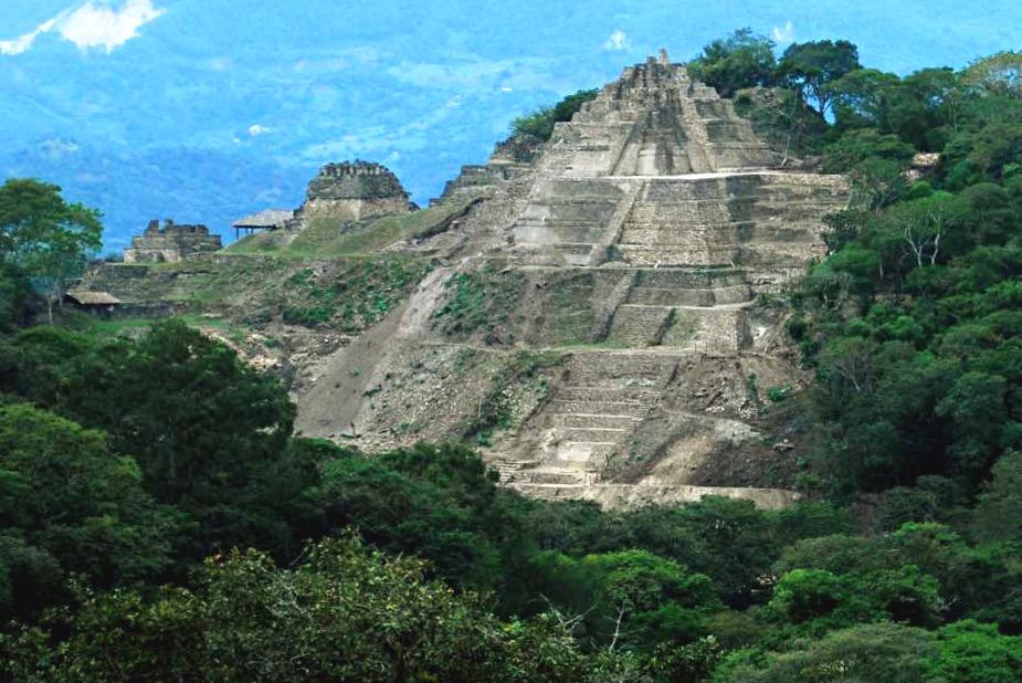 Акрополис города Тонина древнего государства инейцев майя, Мексика