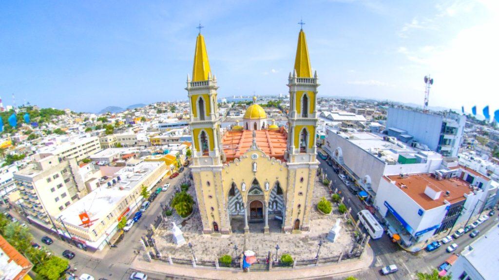 Одна из достопримечательностей города Масатлан это Базилика Инмакулада Консепсьон, Мексика