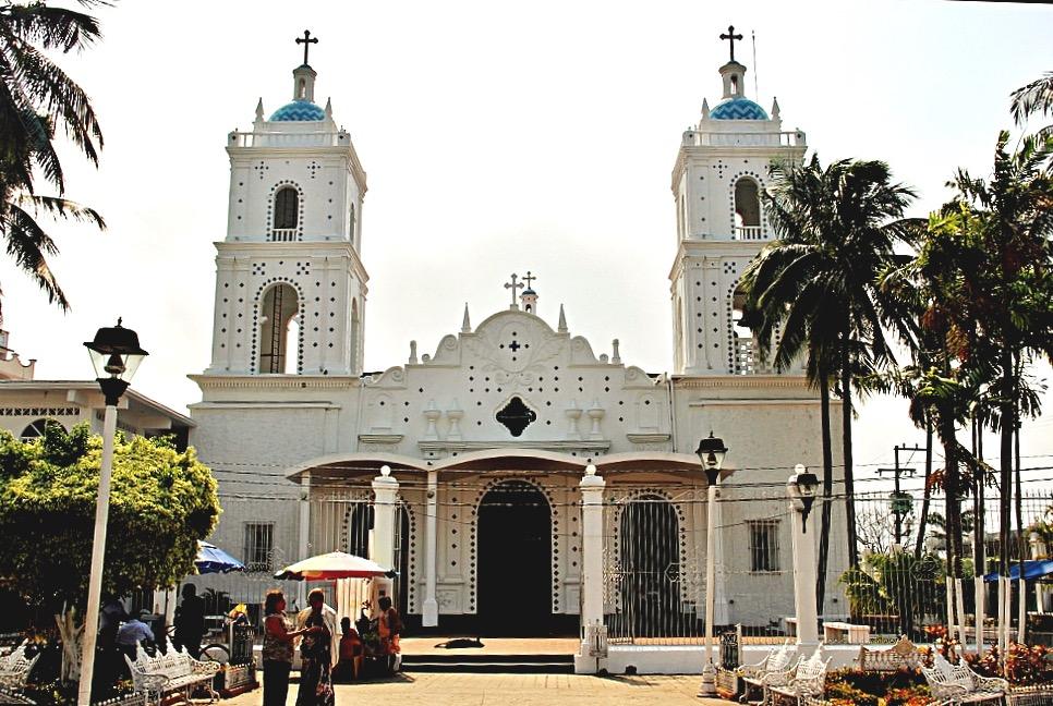 Храм Марии дель Кармен, колдовской город Катемако, Мексика
