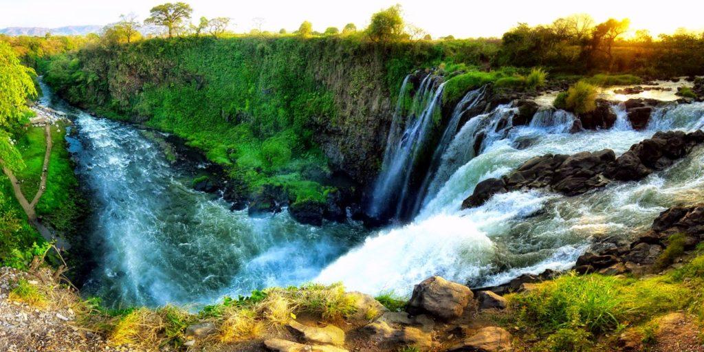 Водопада Эйипантла, место где снимали фильм Апокалипсис Мела Гибсона. Катемако, Мексика