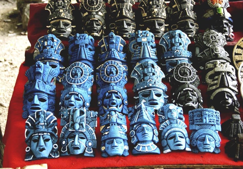 Мексиканские деревянные маски вождей, сувенир номер один в Мексике