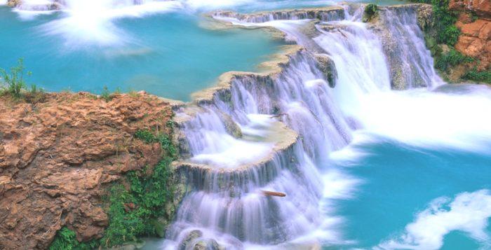 Второй знаменитый водопад штата Чиапас это водопад Аква Азуль, Мексика