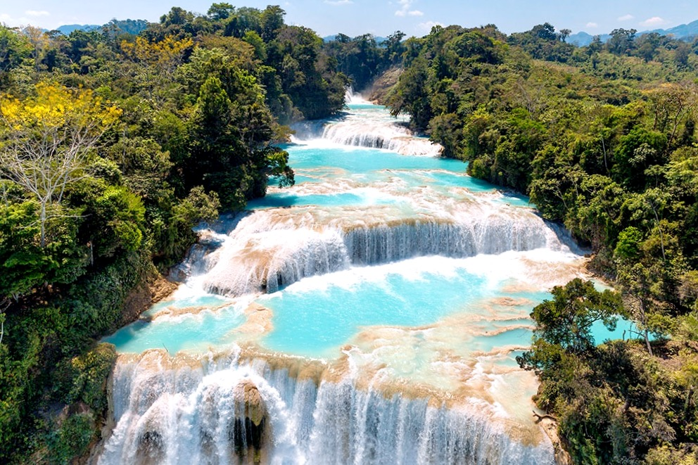 Главная достопримечательность природы штата Чиапас являются каскады Аква Азуль, Мексика
