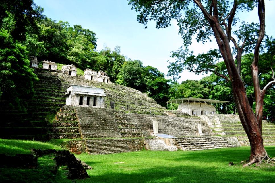 Акрополь города Бонампак, известный своими цветными фресками, Бонампак, штат Чиапас