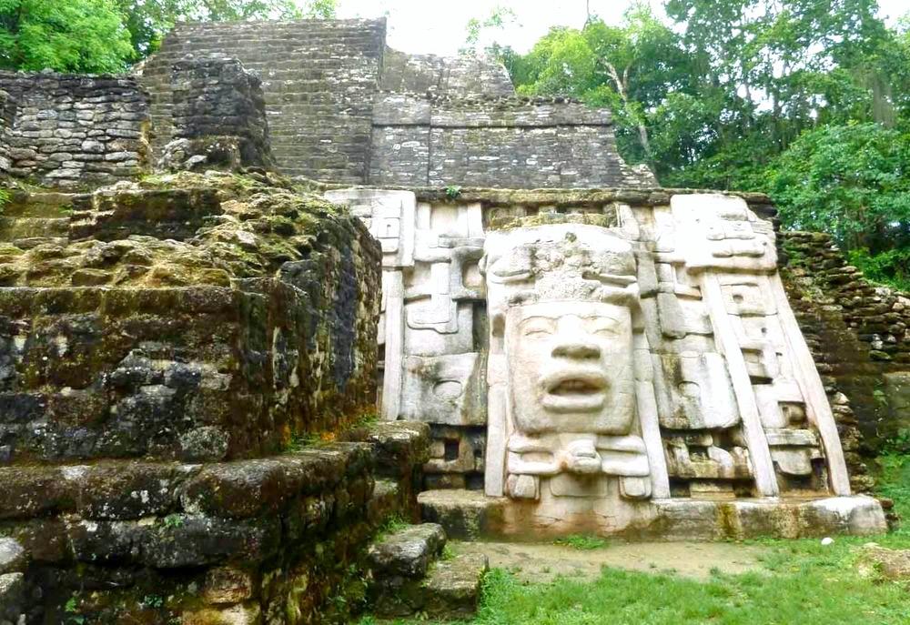 Руины самого загадочного города майяской культуры, находящийся под защитой ЮНЕСКО. Паленке