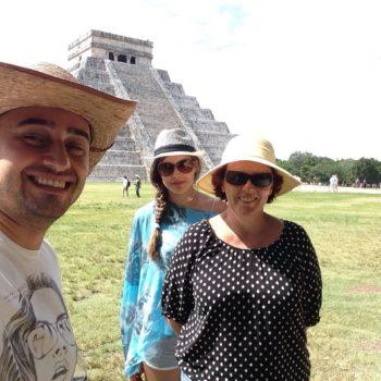 Гид в Мексике Арсен Азибеков