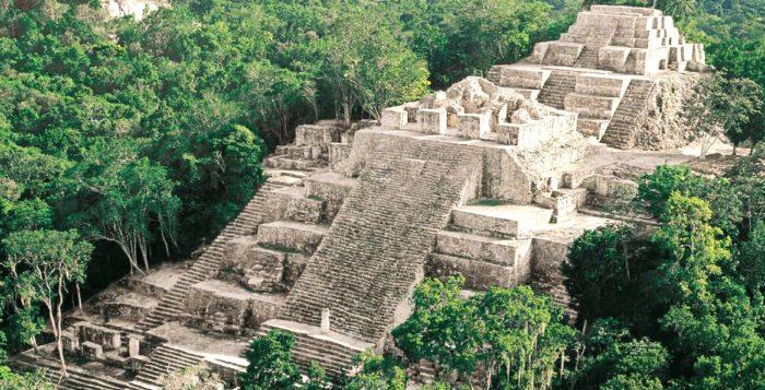 Пирамиды Калакмуль. Дорога Сакбе в джунглях. Гватемальская граница, Мексика