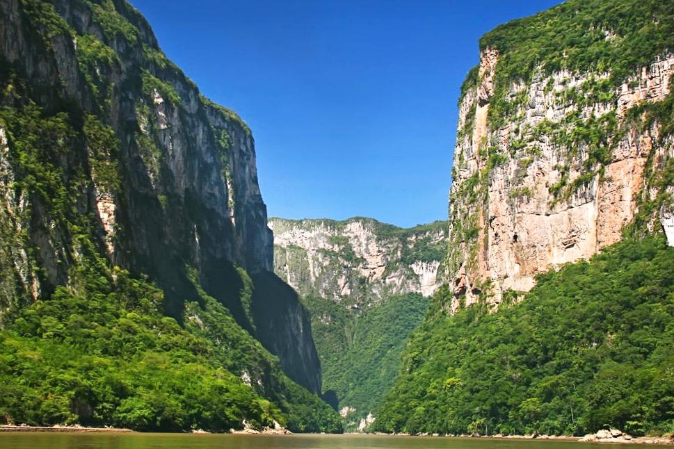 Один из самых красивых каньонов Мексики - каньон Сумидеро, штат Чиапас