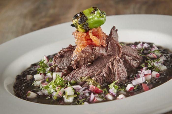 Фасоль со свининой – традиционное блюда Юкатана.