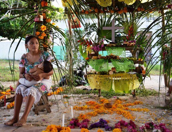 алтарь майя на день мертвых