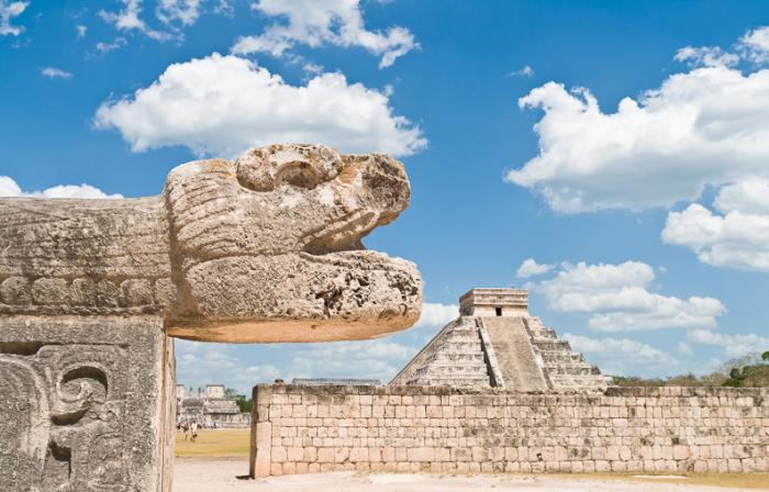 Пирамида Кукулькана в Чичен-Итце, Мексика
