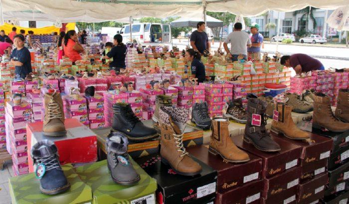 Городские ремесленники предлагают обувь для всех и на любой случай.