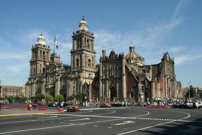 Мехико-сити и пирамиды Теотиуакан